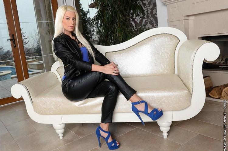Jessie Volt - The Boss Lady (DPFanatics/21Sextury) [HD 720p]