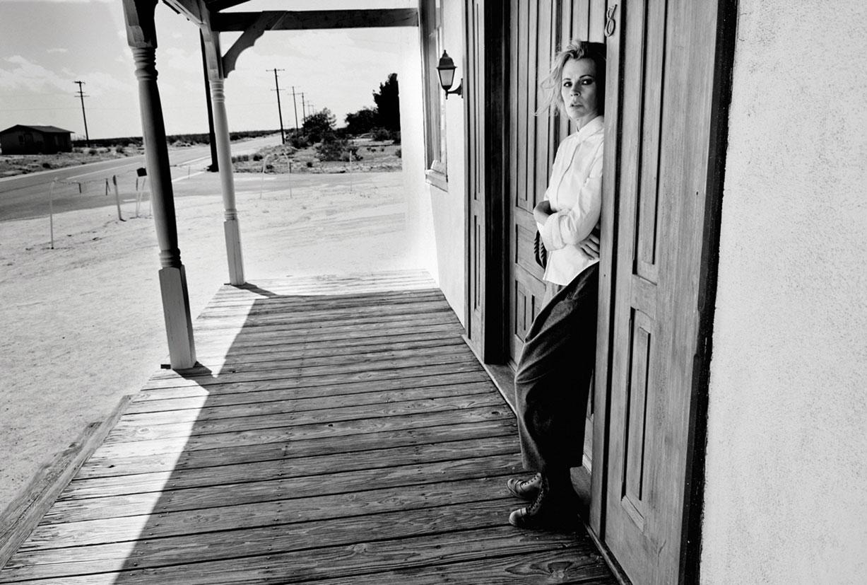 Ким Бейсингер в журнале Flaunt, июль 2014 / фото 14