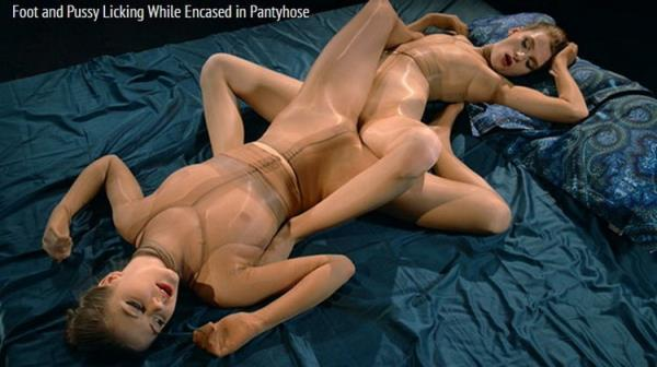 StraplessDildo: Merry Pie, Rossy Bush - Foot And Pussy Licking While Encased In Pantyhose (FullHD) - 2021