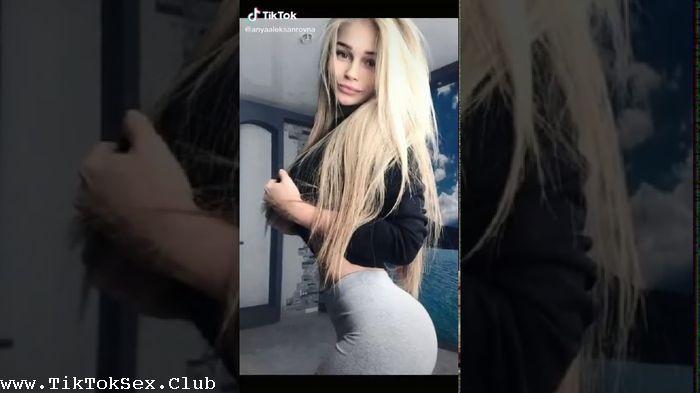 [Image: 186863941_0441_tty_tiktok_teens_girls_ne...n_2020.jpg]