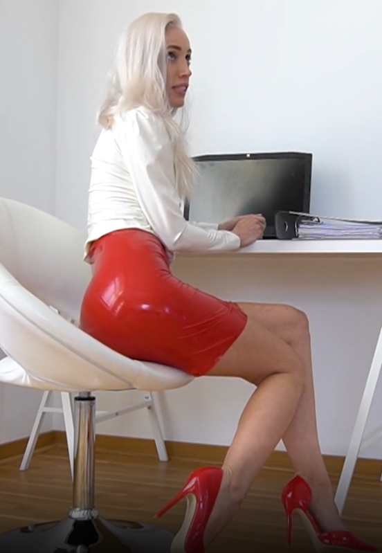[CandyXS] - Laura Paradise - Dominante Latex Chefin Nimmt Sich was Sie Will!!! (2021 / FullHD 1080p)