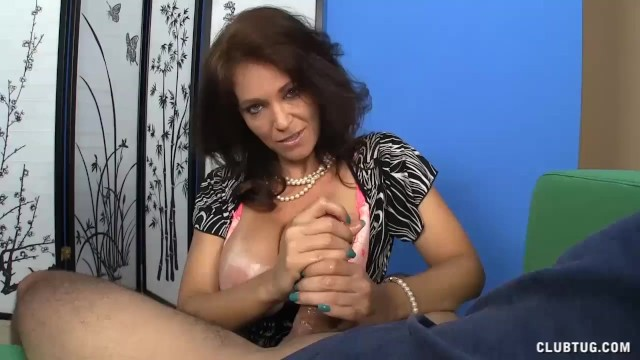 [ClubTug] - Charlee Chase - POV MILF so Horny wants your Cum on her Tits! (2021 / HD 720p)