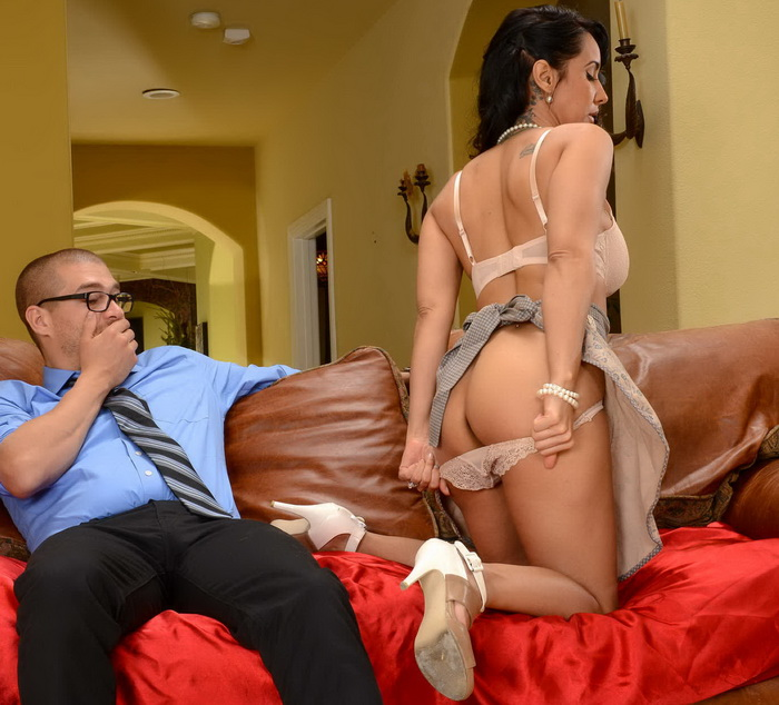 [RealWifeStories/Brazzers] - Isis Love - The Marriage Counselor (2021 / HD 720p)