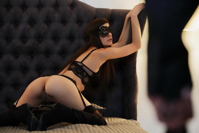 [TheWhiteBoxxx/PornDoePremium] - Candice Luca - Tie me down (2021 / FullHD 1080p)