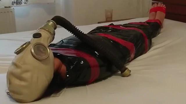 [FetishLAngels] - Fetish - BDSM Slave Girl plastic mummification with gasmask Breathplay (2021 / HD 720p)
