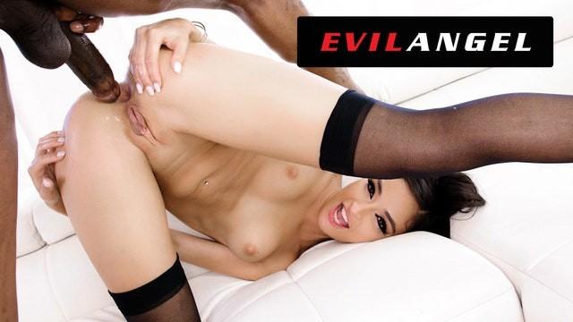 [EvilAngel] - Emily Willis - Emily Willis Gapes for Massive Cock! (2021 / FullHD 1080p)