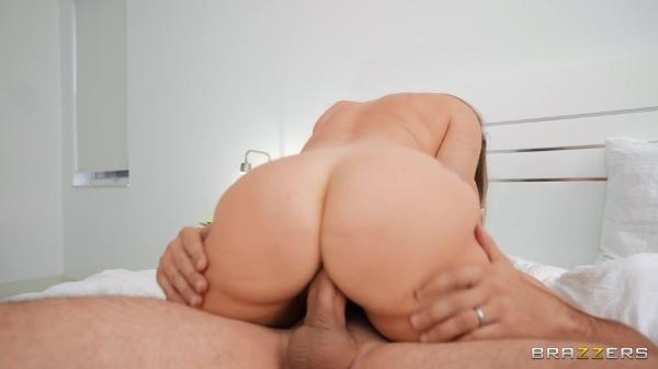 Brazzers Exxtra – A J Applegate – Follow The Squirt