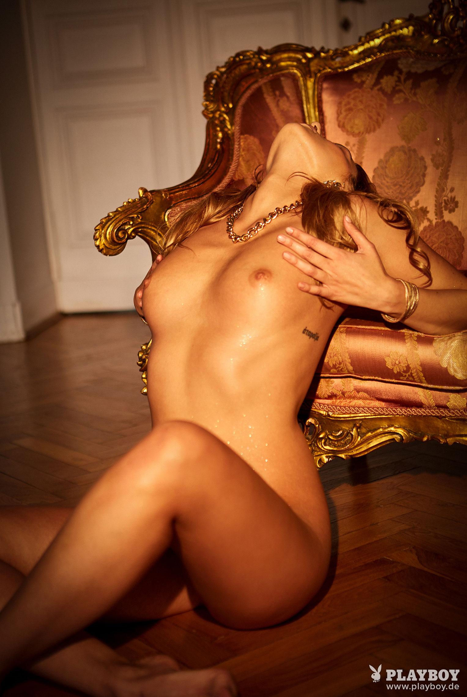 Девушка месяца Playboy Германия декабрь 2019 - Лена Беднарска / фото 04
