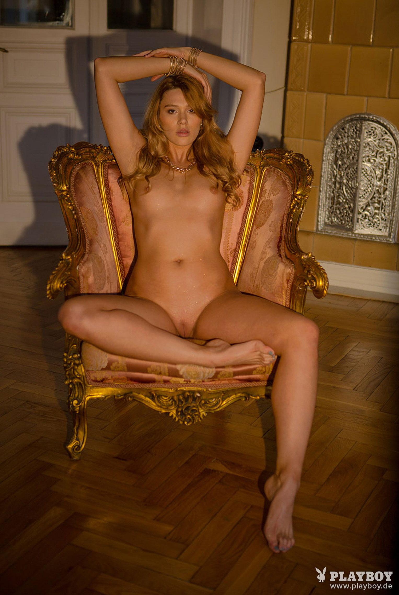 Девушка месяца Playboy Германия декабрь 2019 - Лена Беднарска / фото 16