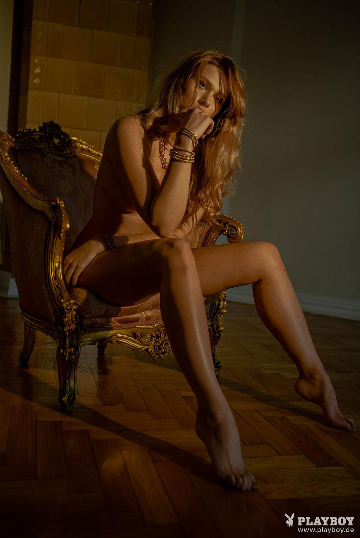 Девушка месяца Playboy Германия декабрь 2019 - Лена Беднарска / фото 17