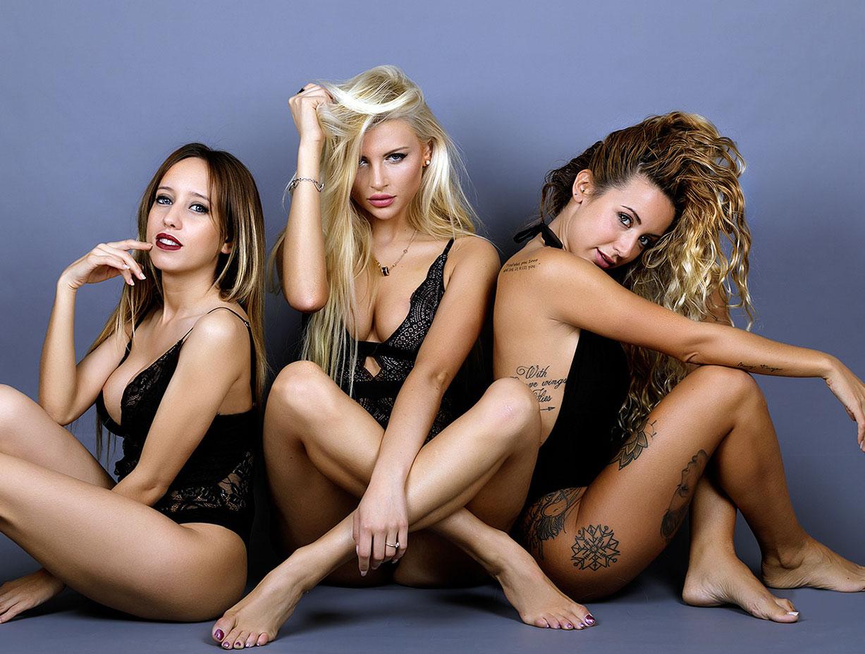 Три гламурных модели в нижнем белье / фото 04